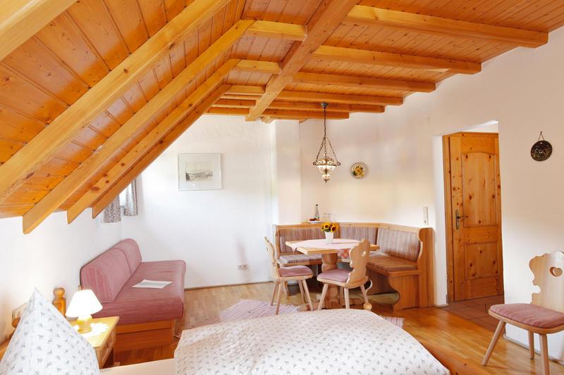 z hringer hof bernachten startseite z hringer hof. Black Bedroom Furniture Sets. Home Design Ideas